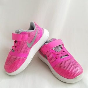 52% off Nike Other - Girls Nike Running Shoes from Elle maiau0027s